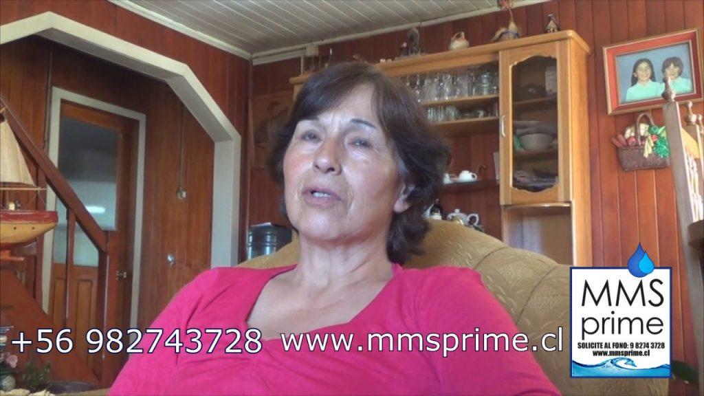 Desde Chile, esta señora da su testimonio de mejoría para tratar los divertículos.